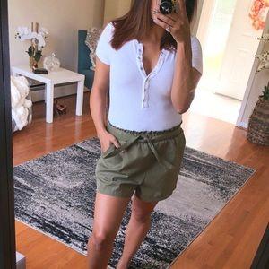 Pants - 25% OFF BUNDLES🌟 STELLA Khaki green casual shorts